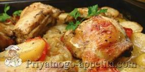 Курица с овощами и картофелем, запеченная в духовке