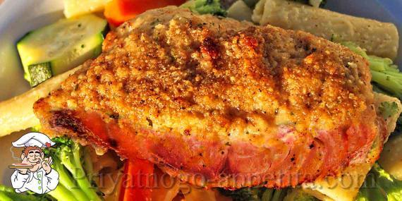 Котлеты из лосося в грибном соусе