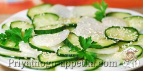 Салат из редьки с огурцом
