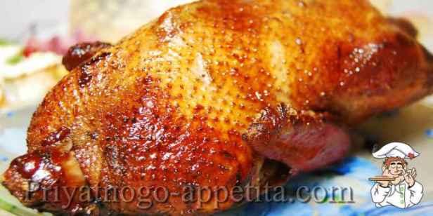 Утка запеченная в духовке с яблоками
