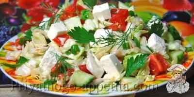 Салат из капусты с брынзой