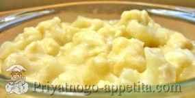 Цветная капуста в сметанно-сырном соусе