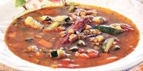 Суп с чечевицей и копченостями