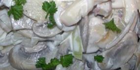Салат из кальмаров и плавленного сыра