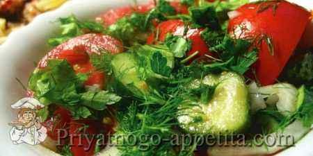 Салат из помидоров с огурцами