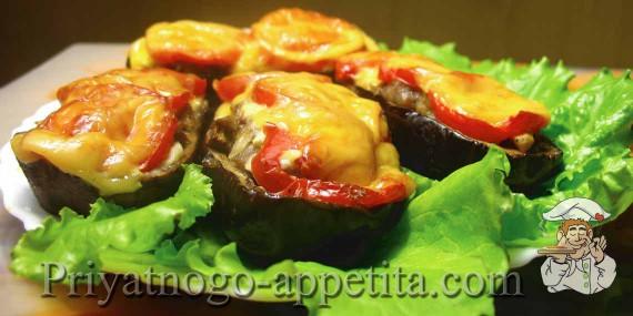 Фаршированные баклажаны, запеченные с сыром
