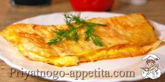 Лаваш с яйцом и сыром