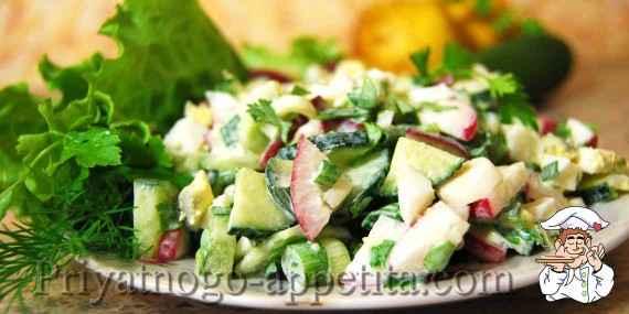 Салат из огурцов, редиски и яиц