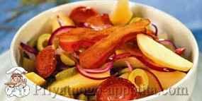 Салат с картошкой и колбасой