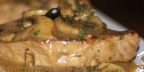 Бифштекс с оливками и шампиньонами