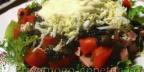 Салат с вареной колбасой и грибами