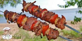 Как замариновать шашлык, чтобы мясо было сочным