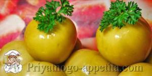 Зеленые помидоры бочковые в банках