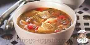 Рыбный суп с помидорами