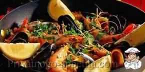 Паэлья с рыбой и морепродуктами