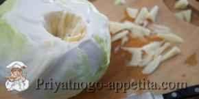 Салат из капустных кочерыжек